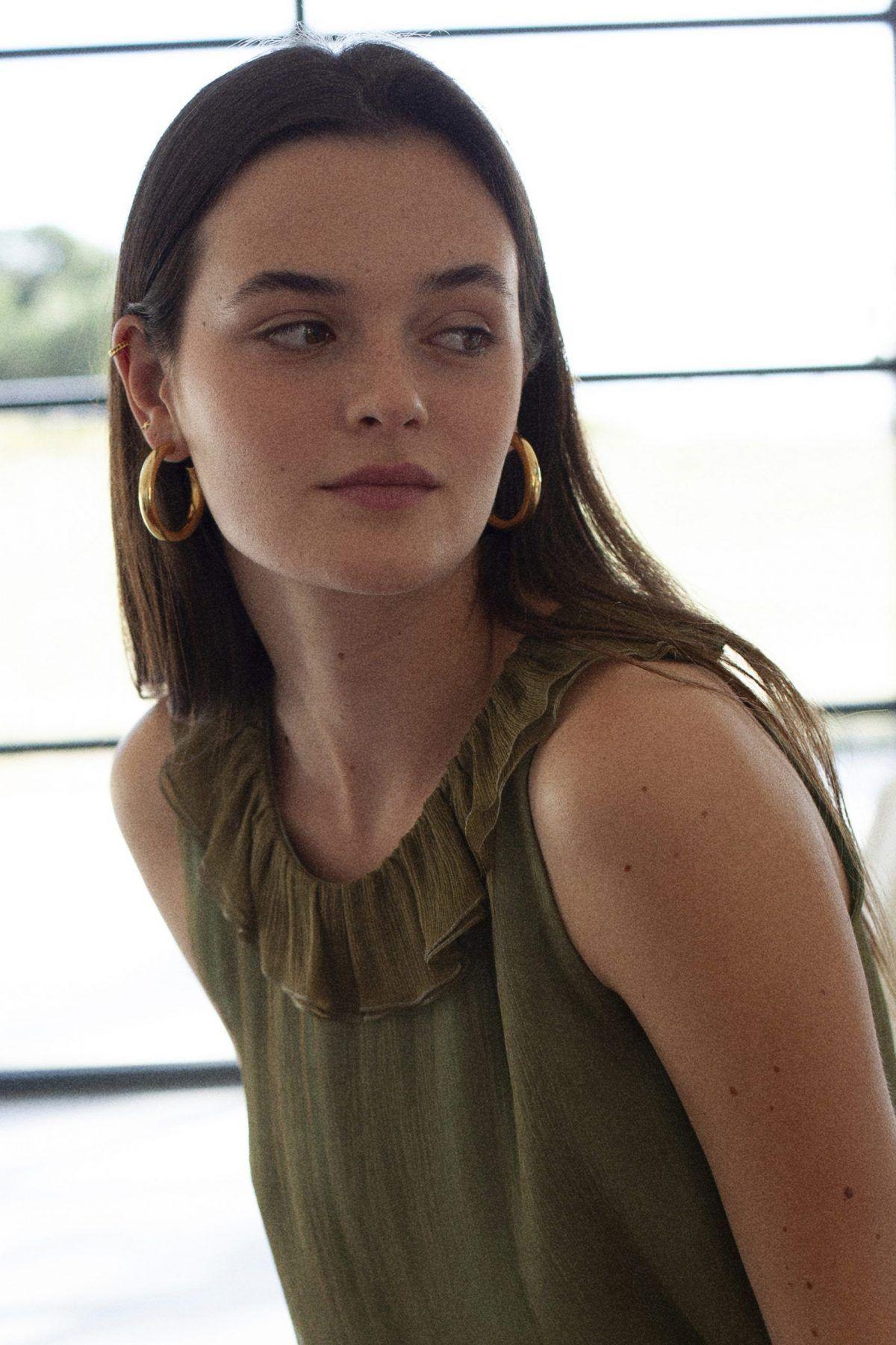 diseñadora-de-moda-Cala Hoop Earrings