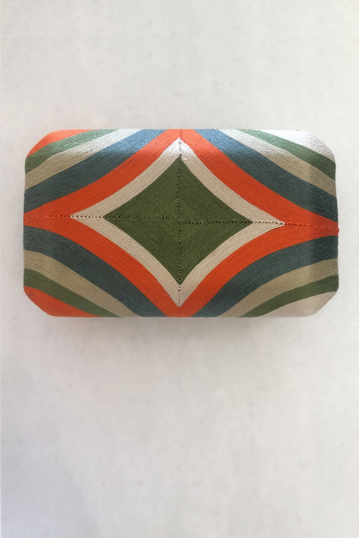 diseñadora-de-moda-Beatriz Clutch Orange
