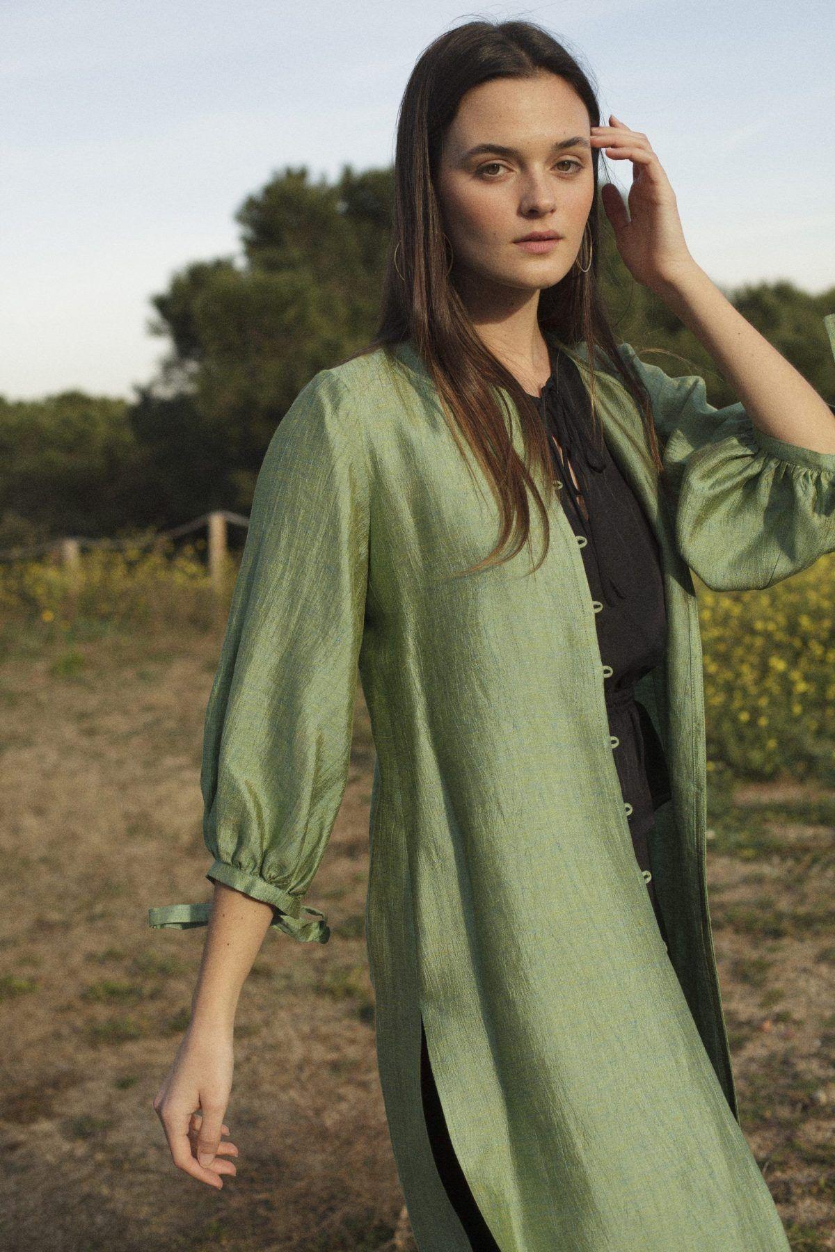 diseñadora-de-moda-Rita Linen Blouse