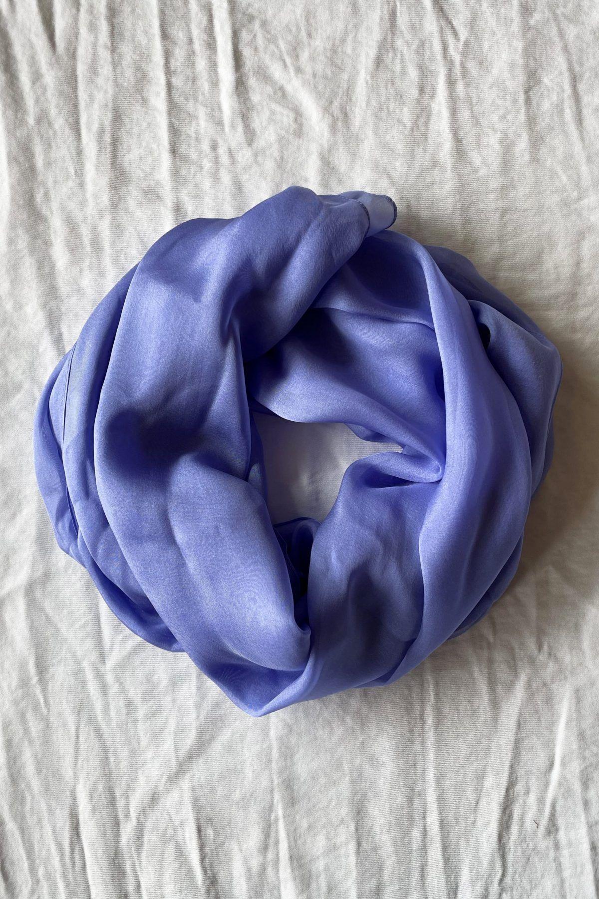 diseñadora-de-moda-Lavender Silk Shawl