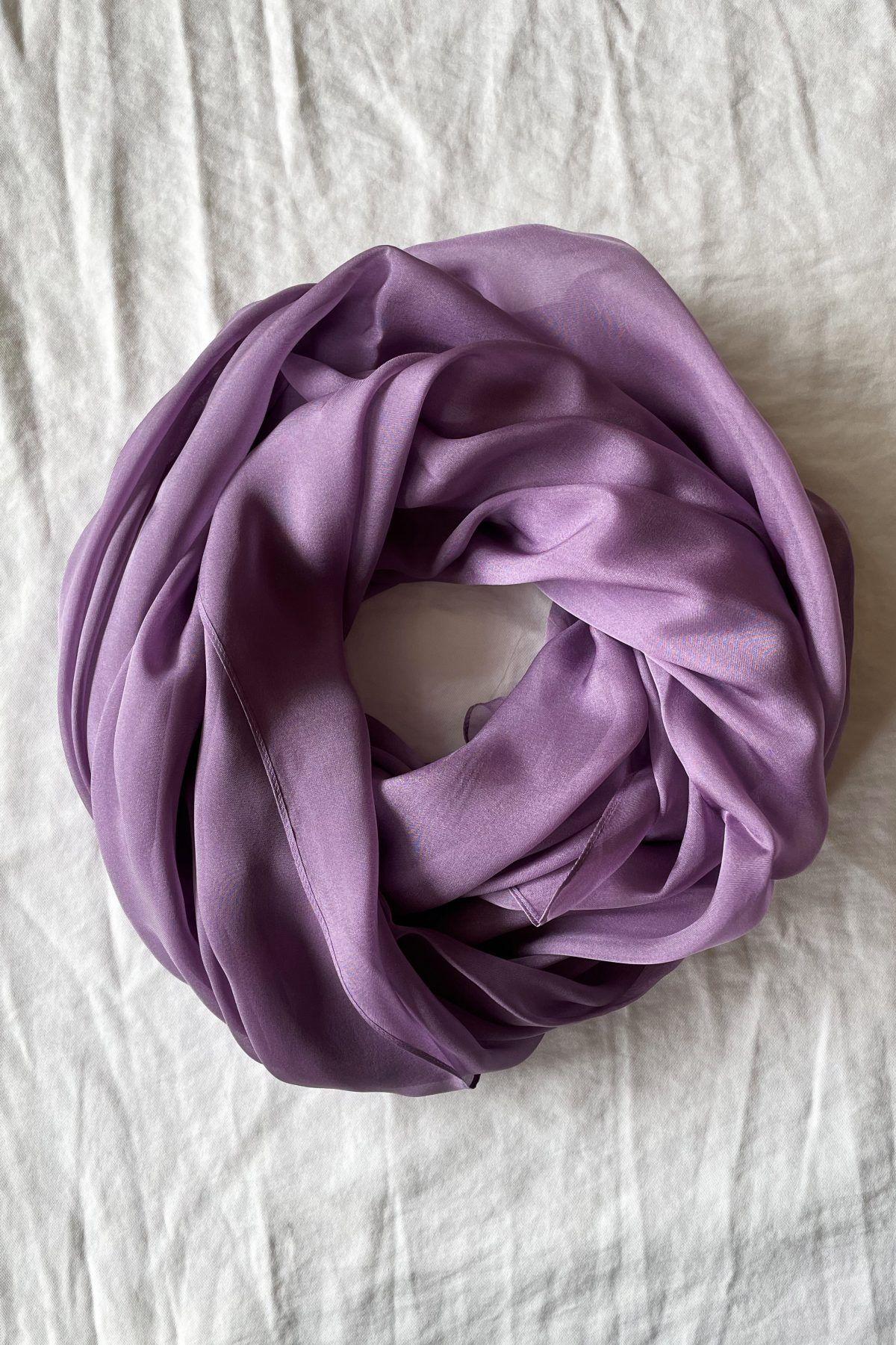 diseñadora-de-moda-Purple Silk Shawl