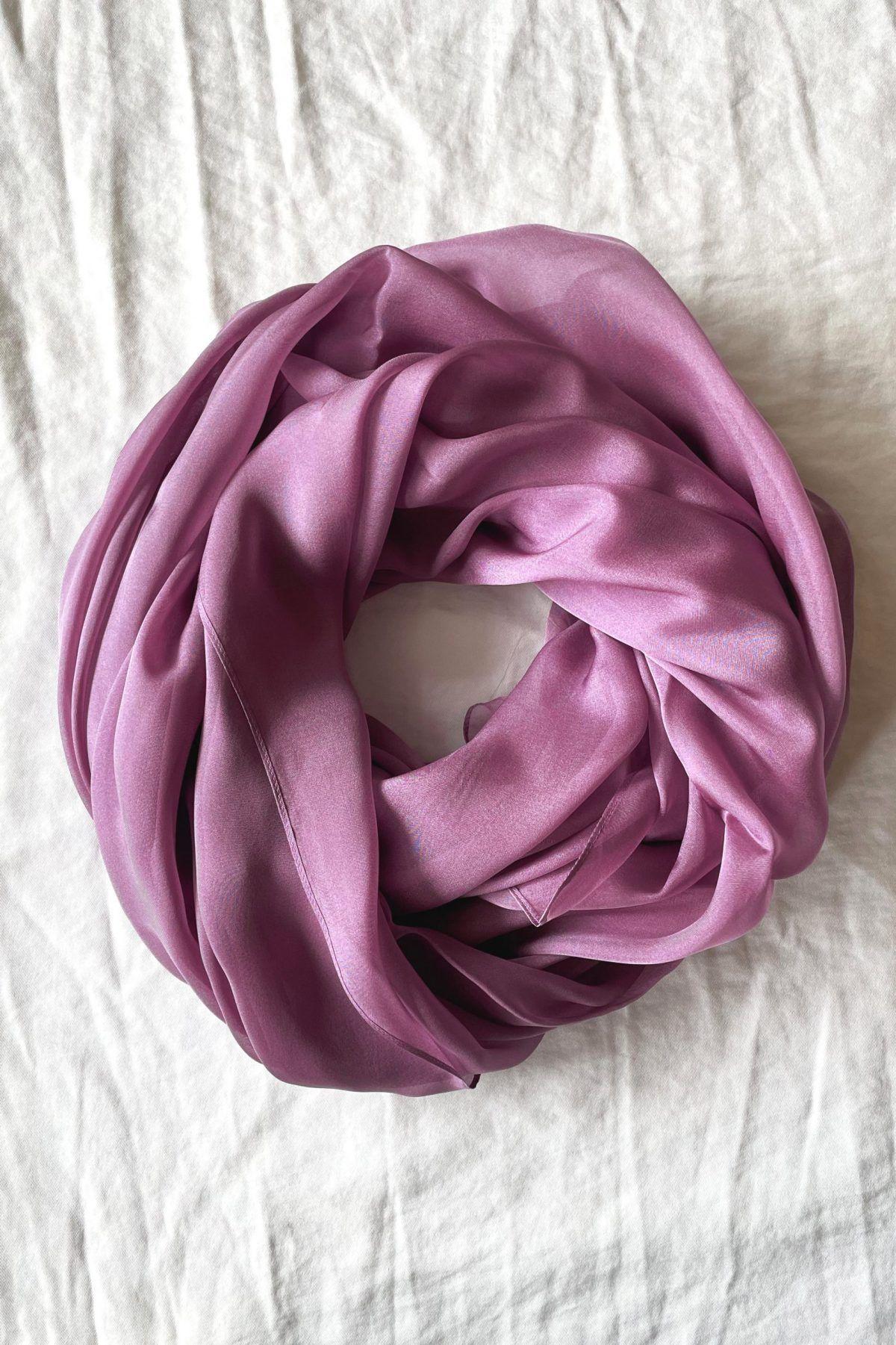 "diseñadora-de-moda-Chal Seda Rosa </br> <span style=""color:red;"">Agotado</span>"