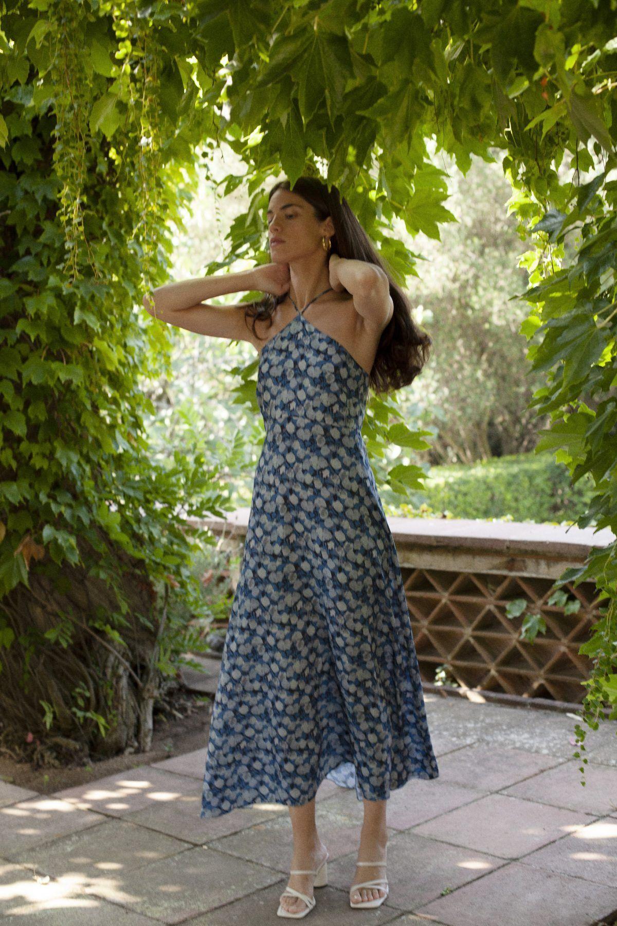 diseñadora-de-moda-Vestido Malena Midi Flores Azul