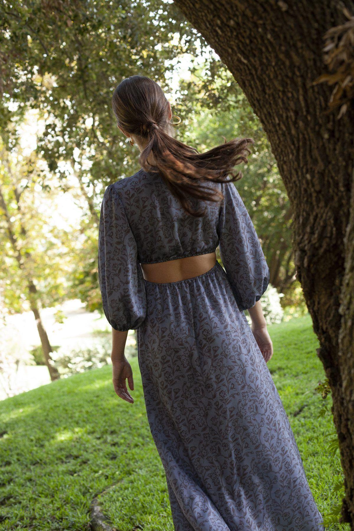 diseñadora-de-moda-Vestido Megan Flores Azul Acero