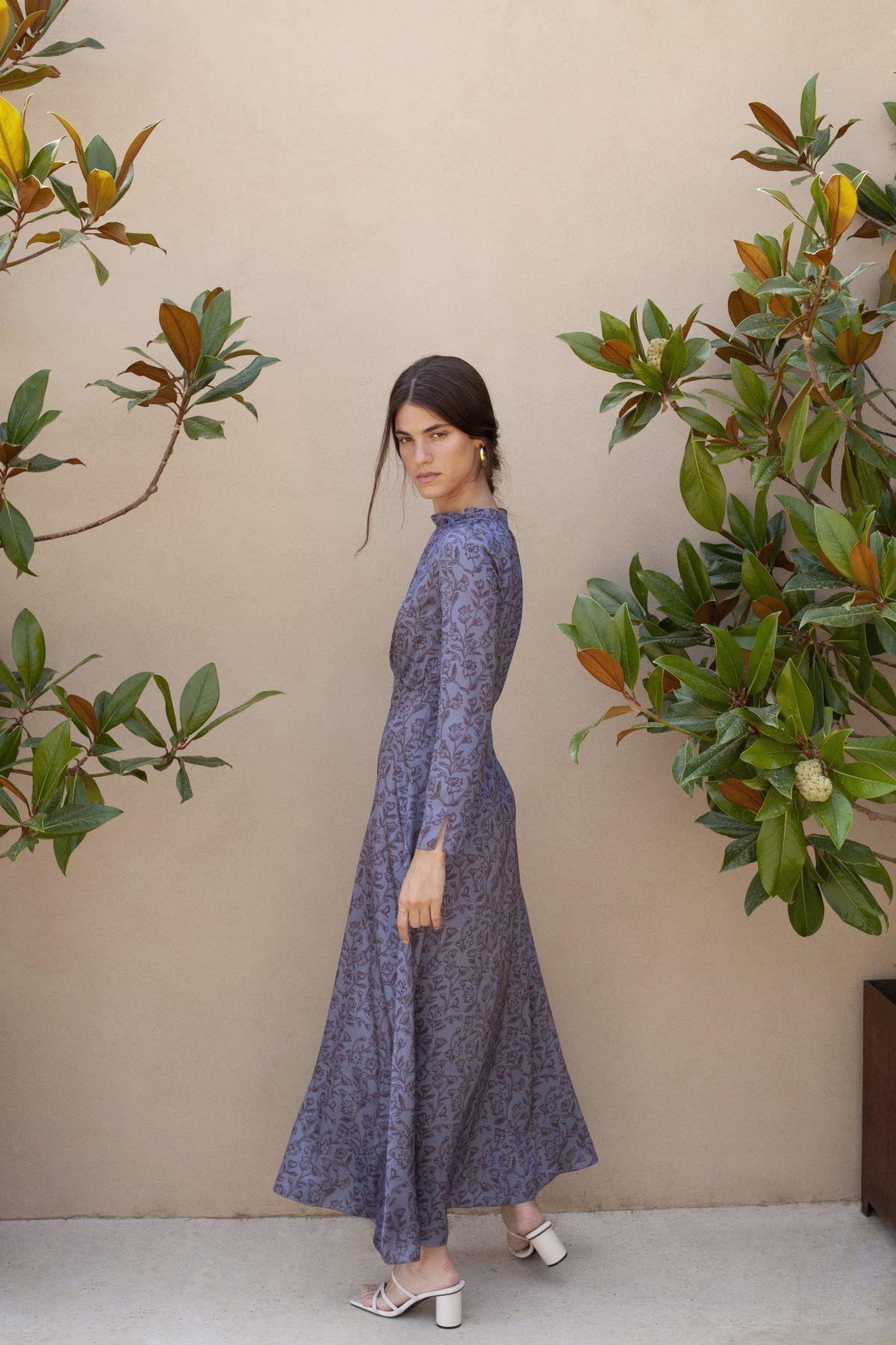 diseñadora-de-moda-Vestido Odette Flores Azul Acero